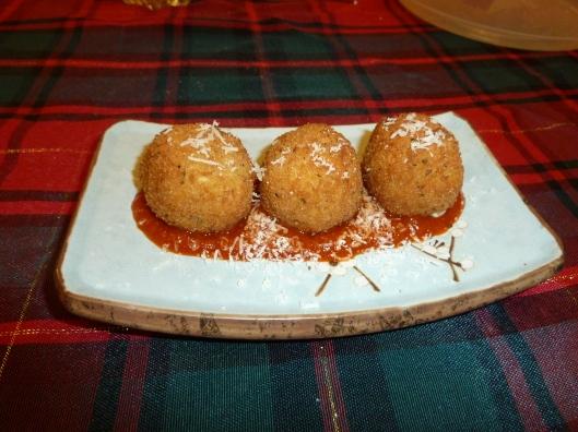 Suppli Al Telefono (Fried Rice and Cheese Balls)
